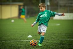 What age should my child start to play football?