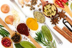 Say goodbye to sauces and hello to spices: the healthy alternative to flavor your dishes
