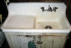 How to Refinish a Cast Iron Sink